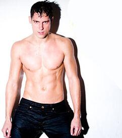 Happy-31s-Birthday-Sean-Faris-04