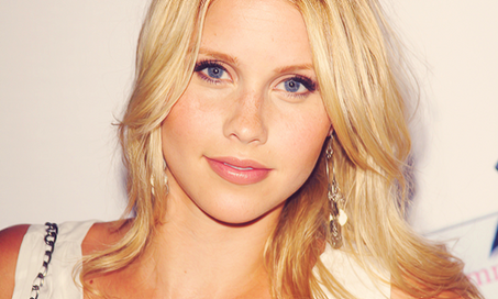 The-Vampire-Diaries-4-Claire-Holt