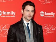 Brant-daugherty-returning-pretty-little-liars-ftr
