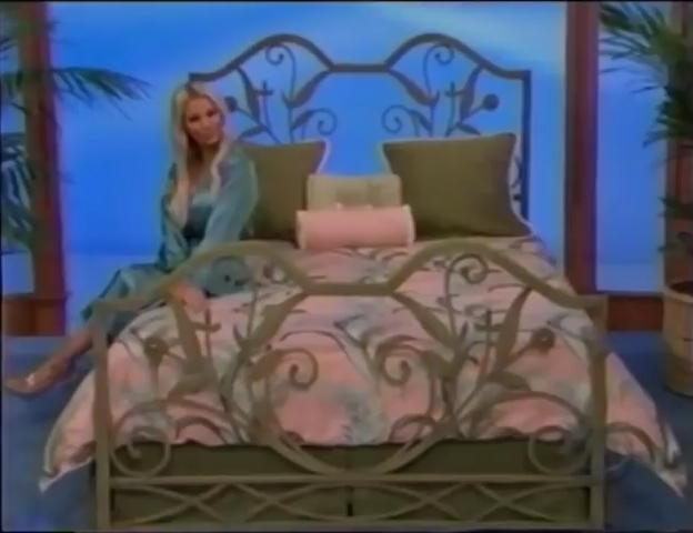 File:Gabrielle Tuite in Satin Sleepwear 05-02-2008 Pic-5.jpg