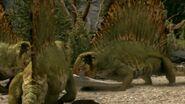 813px-Dimetrodon eating