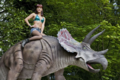 PrimevalNewWorld-1x9CrystalLoweOnTriceratops