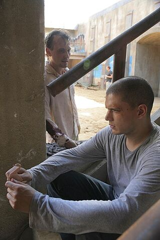 File:Prison-break-season-3-michael.jpg