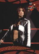 2004 WWE Divas 2005 (Fleer) Victoria 35