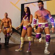 Raquel & The BroMans 1