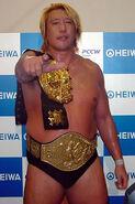 Yoshihiro Takayama 4
