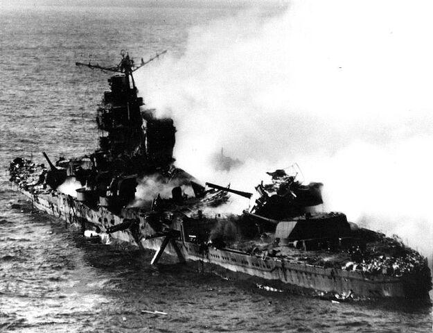 File:Sinking of japanese cruiser Mikuma 6 june 1942.jpg