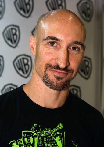 File:Scott Menville WB Comic Con International 2014.jpg