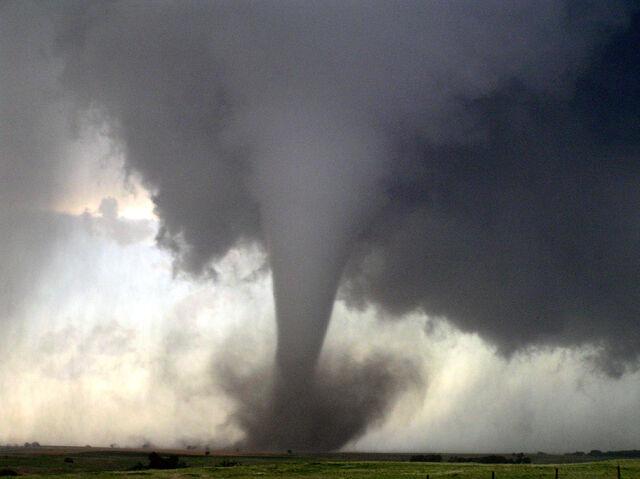File:Oklahoma Tornado 1.jpg