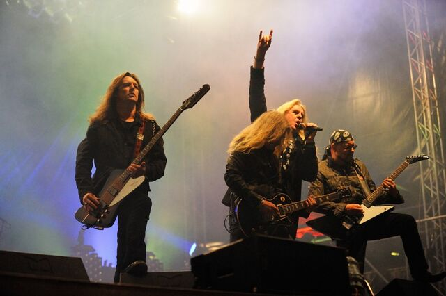 File:Saxon band-live-5288-1024x681.jpg
