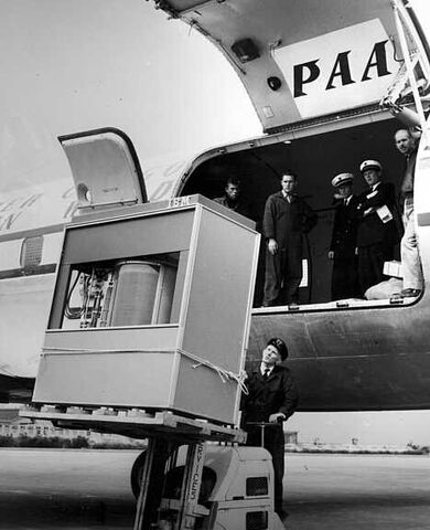 File:5MB Harddrive1956.jpg