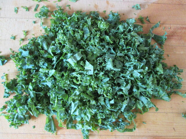 File:Creamy-Sweet-Potato-Black-Eyed-Peas-Soup-Recipe-chopped-kale.jpg