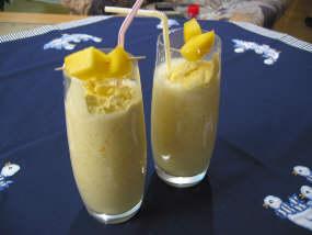 File:Cocktail mango milchshake.jpg