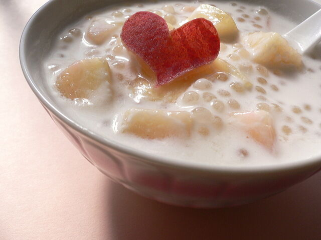 File:Tapioka+coconut+milk+with+peach-5309.jpg