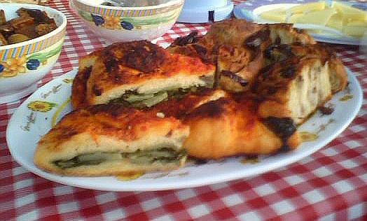 File:Cuddiruni focaccia verdure.jpg