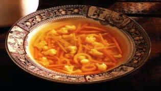 File:Golden Vegetable Soup.jpg