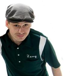 File:Jay with Plinkett Hat.png