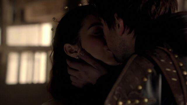 File:Normal Reign S01E12 Royal Blood 1080p kissthemgoodbye net 0167.jpg