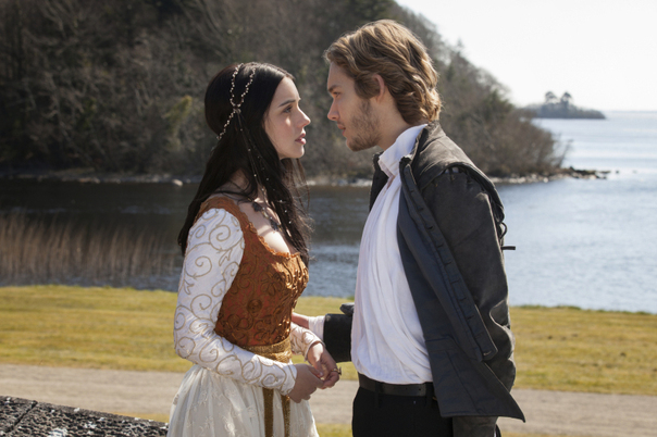 File:Adelaide-Kane-and-Toby-Regbo-of-Reign gallery primary.jpg