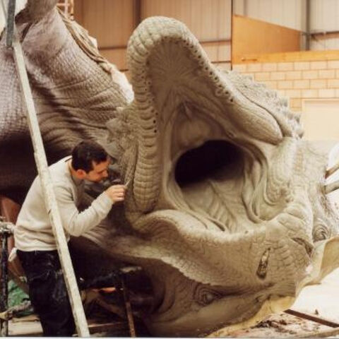 File:Building the dead Dragon..jpg
