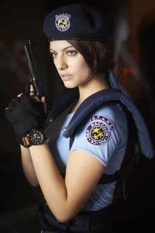 File:Julia Voth as Jill Valentine 11.jpg
