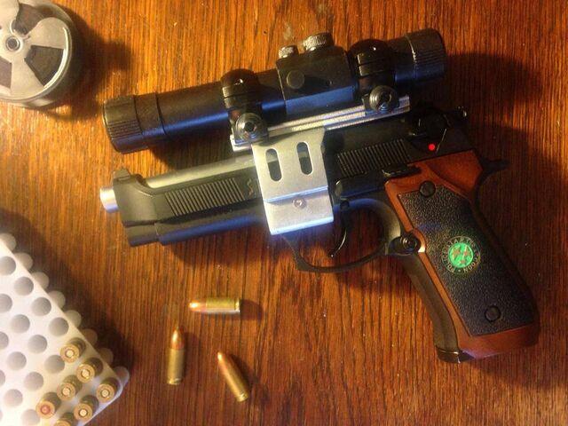 File:Resident Evil 0 custom handgun.jpg