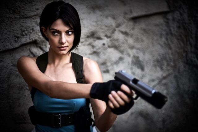 File:Julia Voth as Jill Valentine 32.jpg