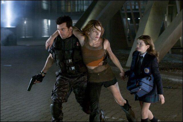 File:Angela, Carlos & Alice.JPG