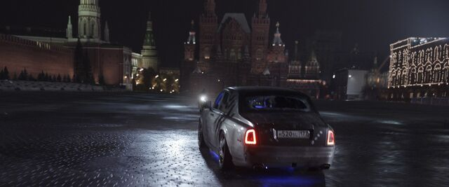 File:Car drives through the Moscow sequence.jpg