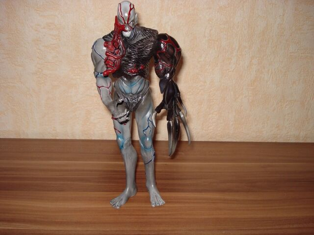 File:Moby Dick - TYRANT (BIOHAZARD) figurine 1.jpg