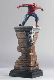 SPIDERMAN STATUE-FRONT