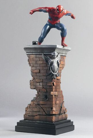 File:SPIDERMAN STATUE-FRONT.jpg