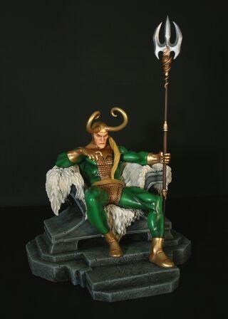 Loki Statue 1a
