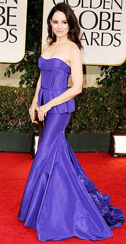 File:Madeleine-stowe Golden Globes.jpg
