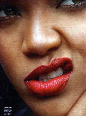 File:Rihanna-vogue-aprile-2011-03.jpg