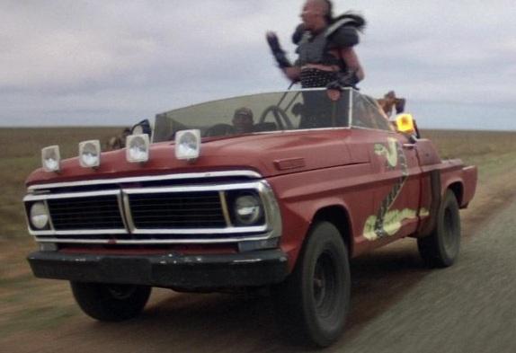 File:Snake truck.jpg