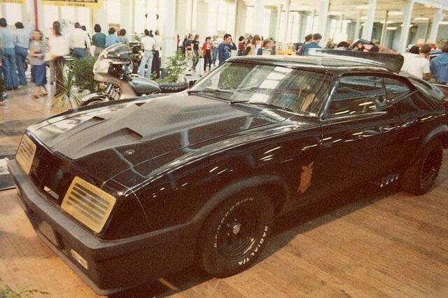 File:Mad-max-interceptor-and-goose-bike-1979-hot-rod-show.jpg