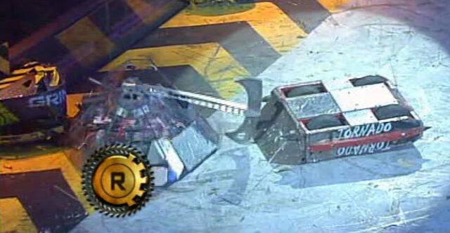 File:Tornado terrorhurtz.JPG