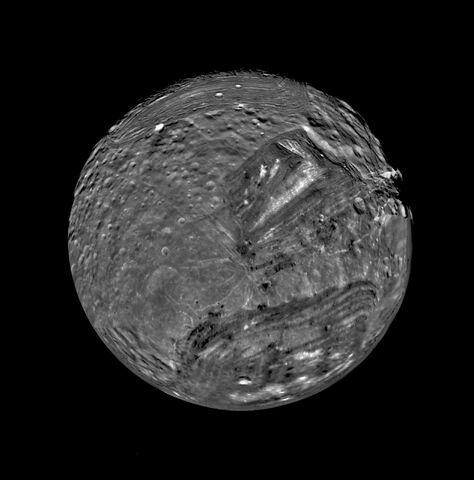 File:Miranda-moon.jpg
