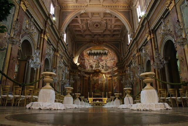 File:San Giovanni e Paolo interior.jpeg