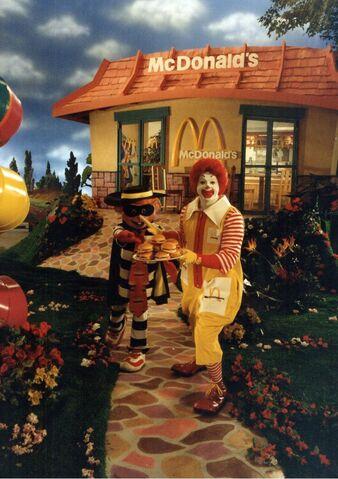 File:Ronald McDonald & Hamburglar.jpg