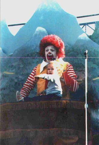 File:Ronald McDonald1.jpg