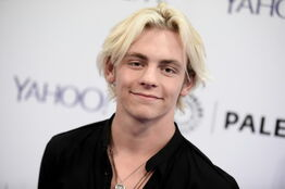 Ross Lynch- 20150518