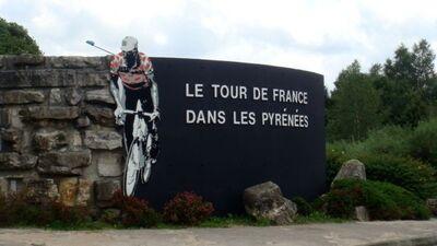 Aire des Pyrénées sur A64 (1).jpg