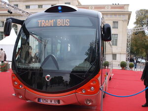 Nîmes - Présentation TCSP Arènes - Face avant.jpg