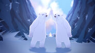 EW - ICQ - Jacky, NW polar bear high five