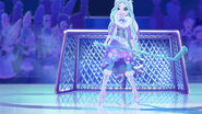 EW - SnowDay - Crystal arrived to goal