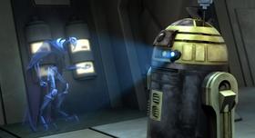 R2-S6 передает информацию Гривусу.png