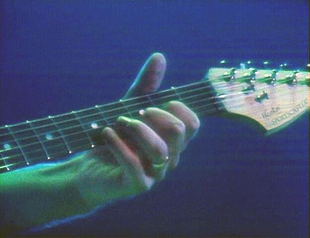 File:Hentor Sportscaster (Fender Stratocaster), White 3.jpg