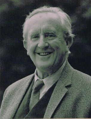 File:Tolkien4.jpg